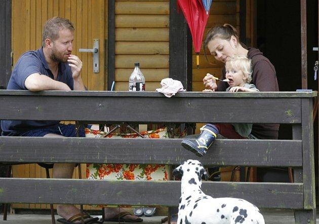 Klid a odpočinek hledají rekreanti, kteří se v letní sezoně vydávají k  Orlíku.