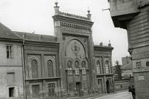 Příbramská synagoga před demolicí.