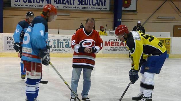 Sedlčanský starosta Jiří Burian zahájil 9. ročník hokejového poháru.