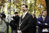 Starosta Příbrami Pavel Pikrt čeká na příjezd Miloše Zemana.