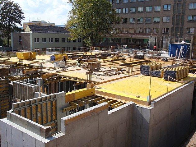 Stavba nového pavilonu Oblastní nemocnice Příbram