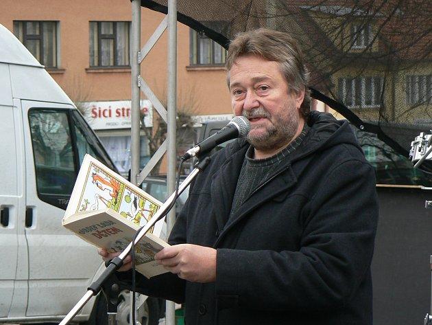 Překonat český rekord nebude snadné. S Ladovou knihou musí přijít nejméně 621 lidí