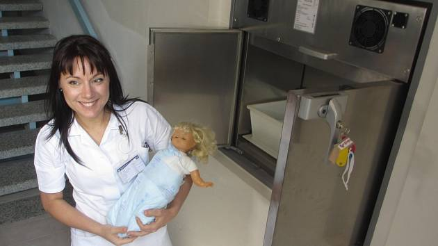 V příbramské nemocnici byly odloženy už čtyři děti.