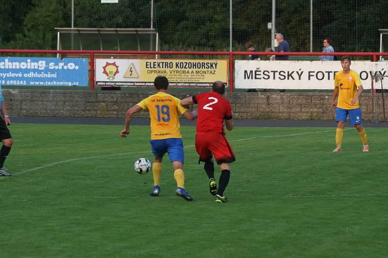 Z přípravného zápasu MFK Dobříš - SK Benešov 1:2.