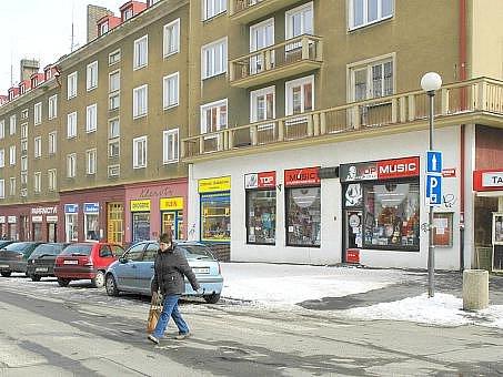 Bytové domy na náměstí 17. listopadu spadají do zony Březohorského sídliště.