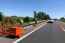 S omezením průjezdu kvůli obnově svodidel kolem 40. kilometru dálnice D4 musí po víkendové pauze opět počítat řidiči projíždějící po této dálnic.
