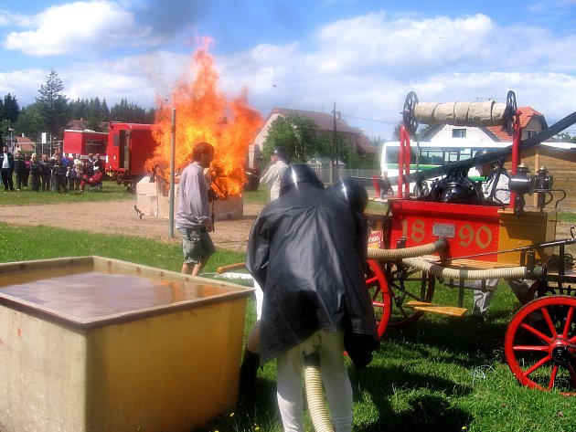 Hasiči v Lázu u Příbrami slavili výročí a memorial