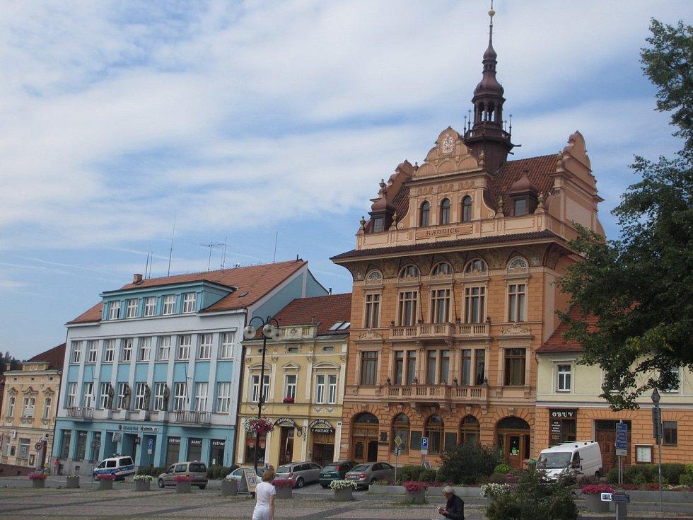 Sedlčany - radnice a náměstí TGM
