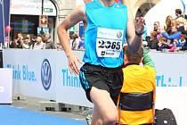 Jan Vitásek v cíli Pražského maratonu 2014.