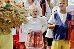 Lidé v Obecnici oblékli kroje a po letech oslavili dožínky.