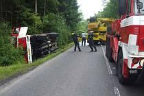 Nehoda požární cisterny nad Věšínem.