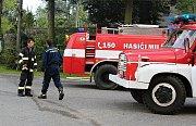 Požár budovy bývalého zemědělského statku v Ouběnicích. Podnikalo v nich několik firem.