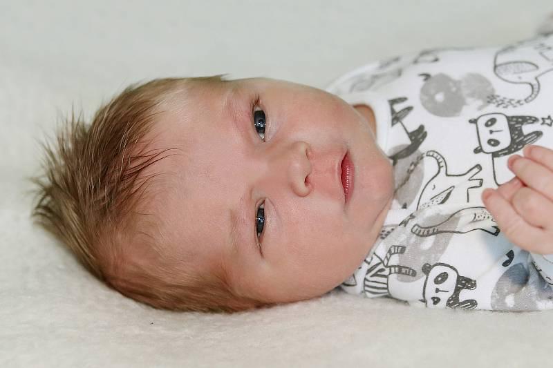 Oldřich Loskot se narodil 6. září 2021 v Příbrami. Vážil 4380 g a měřil 53 cm. Doma v Mýtě ho přivítali maminka Silvie a tatínek Jiří.