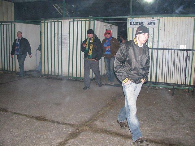 Fanoušci se po zápase v klidu přesunuli na nádraží