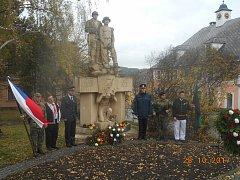 Květiny položili zástupci Společnosti občanů a přátel Březových Hor, Spolku Prokop, Baráčníků, Klubu vojenské historie a březohorských dobrovolných hasičů.
