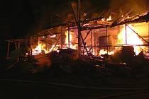 Požár truhlárny v Petrovicích