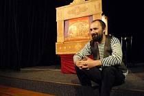 Foto z představení O nebojácném Ondrovi.