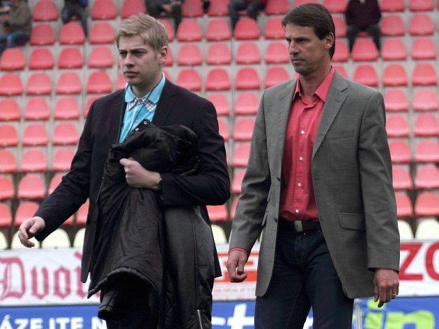 Petr Větrovský (vlevo) s trenérem Františkem Strakou.
