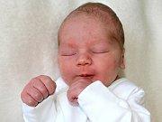 SAMUEL KREJČÍ se narodil v neděli 12. února o váze 3,43 kg a míře 53 cm rodičům Dominice a Vladimírovi z Příbrami.