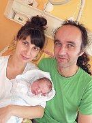 ZACHARIÁŠ Krejčí, synek maminky Marie a tatínka Milana z Kojetína, spatřil poprvé světlo světa v úterý 1. listopadu, vážil 3,15 kg a měřil 49 cm. Vyrůstat bude s dvouapůlletým bráškou Eliášem.