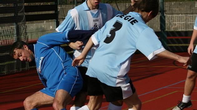 2. liga: Legie (modrobílí) - Steel (1:2).