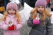 V Sedlčanech se jim v sobotu podařilo zapsat do knihy rekordů díky počtu lidí s andělem na jednom místě.
