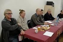 Schůze březohorského osadního výboru s místostarostou Martinem Buršíkem a občany Březových Hor.