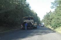 Oprava vozovky u Sedlčan