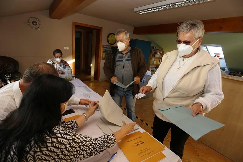 Parlamentní volby ve Voltuši.