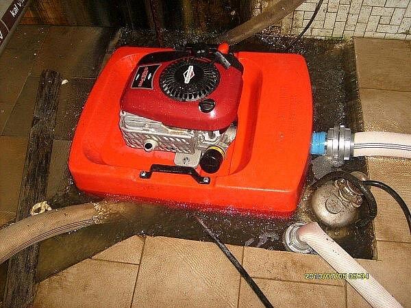 Zásahy hasičů při bouřce v noci na pondělí.
