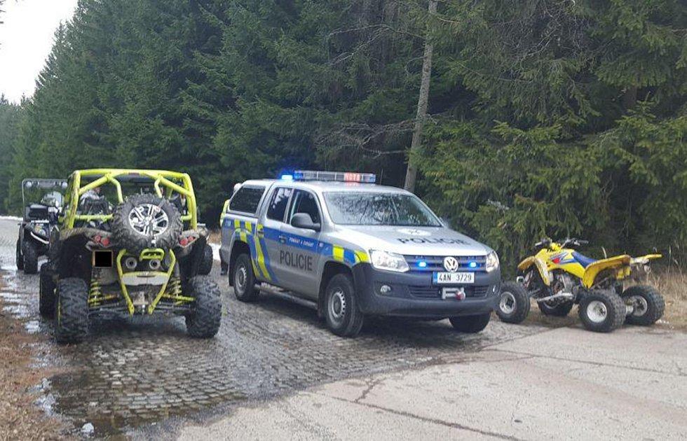 Policejní technika, kterou pro zásahy v Brdech využívá od roku 2016 příbramské oddělení Policie ČR.