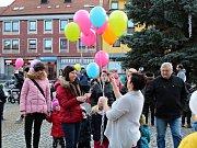 K nebi se nakonec vzneslo 197 balónků.