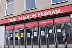 Kvůli dvojutkání českých hokejistů se Švýcary musí veřejnost počítat ve dnech 4. a 5. dubna s dopravním omezením v okolí bazénu, zimního stadionu a gymnázia.