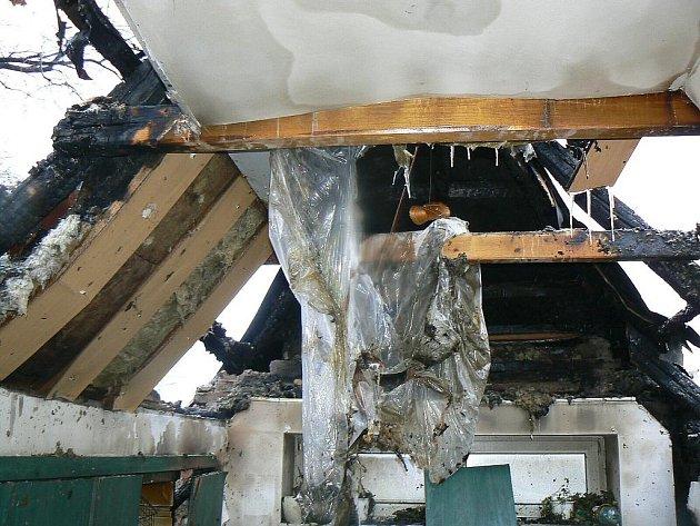 Požár truhlárny v Kleticích.