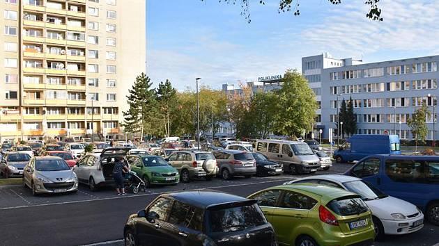 Poslední ze tří nových parkovišť je už v provozu.