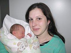 Anička Zemanová, dcerka maminky Terezy a tatínka Petra z Věšína, poprvé spatřila svět v pátek1.ledna, vážila 2,46 kg a měřila 45 cm. Hrát si se sestřičkou bude skoro čtyřletý Vojtíšek.