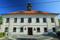 Dobříšská radnice. Ilustrační foto.