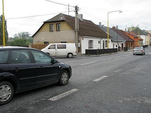 Křižovatka ulic Rožmitálské, Ke Stadionu, Profesora Karla Pobudy a Na Struhách