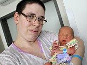 ŠTĚPÁN JAKUB KŘIVONOSKA se narodil v pátek 3. března, vážil 3,35 kg a měřil 51 cm. Rodičům Šárce a Michalovi bude s péčí o miminko pomáhat téměř čtyřletý bráška Šimon Zdeněk.