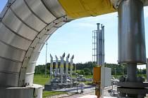 Nadzemní část zásobníku plynu v Hájích u Příbrami.