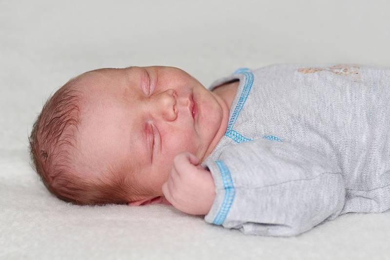 Čestmír Tichý se narodil 15. září 2021 v Příbrami. Vážil 3630 g a měřil 51 cm. Doma v Podlesí ho přivítali maminka Barbora a tatínek Petr.