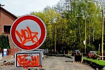 Uzavírka v Březnické ulici.