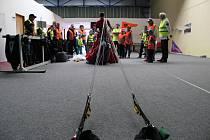 Dětská exkurze na příbramském letišti v Dlouhé Lhotě.