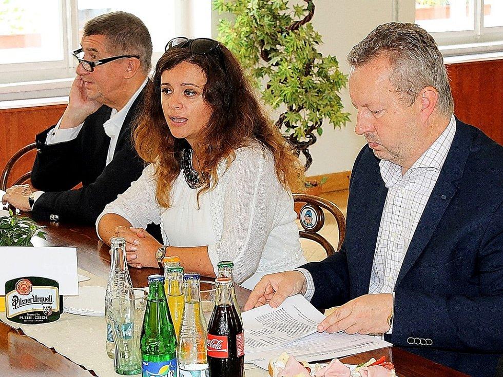 Jaroslava Jermanová s ministry v Příbrami.