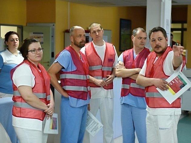 Personál příbramské nemocnice při celokrajském cvičení.