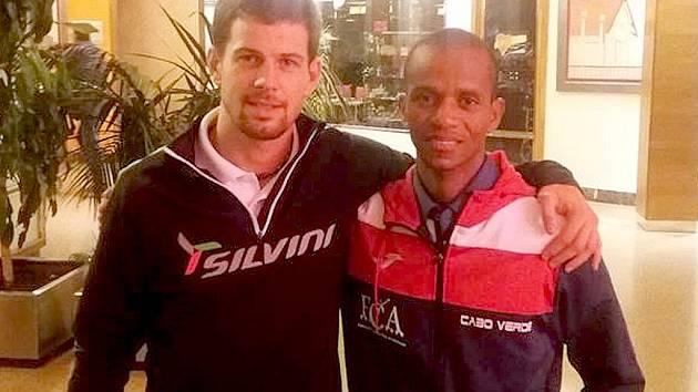 Jan Ďuk běžel velkou část závodu s Augusto Gamou.