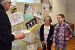 Vyhodnocení výtvarné soutěže My tři králové jdeme k vám v sále Společenského centra Josefa Slavíka v Jincích.