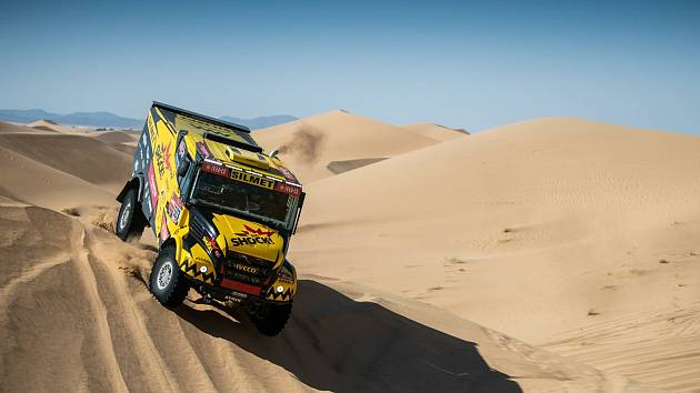 Kamion Martina Macíka během Dakaru 2021.