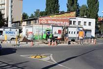 Práce na stavebních úpravách kruhového objezdu už začaly.