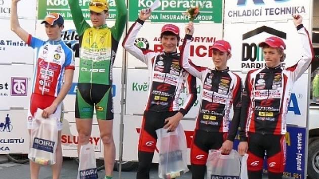 Jakub Novák,Tomáš Danačík a Filip Švestka po závodě v Pardubicích.
